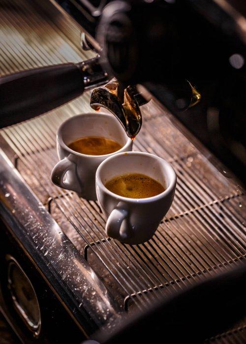 Najlepsze mieszanki kawy dla prawdziwego włoskiego espresso
