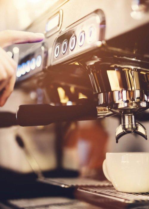 mieszanie kawy